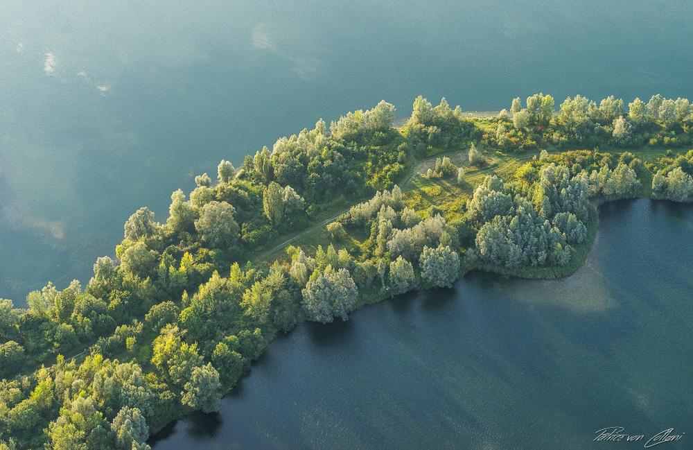 Luftbild Bäume Kiessee