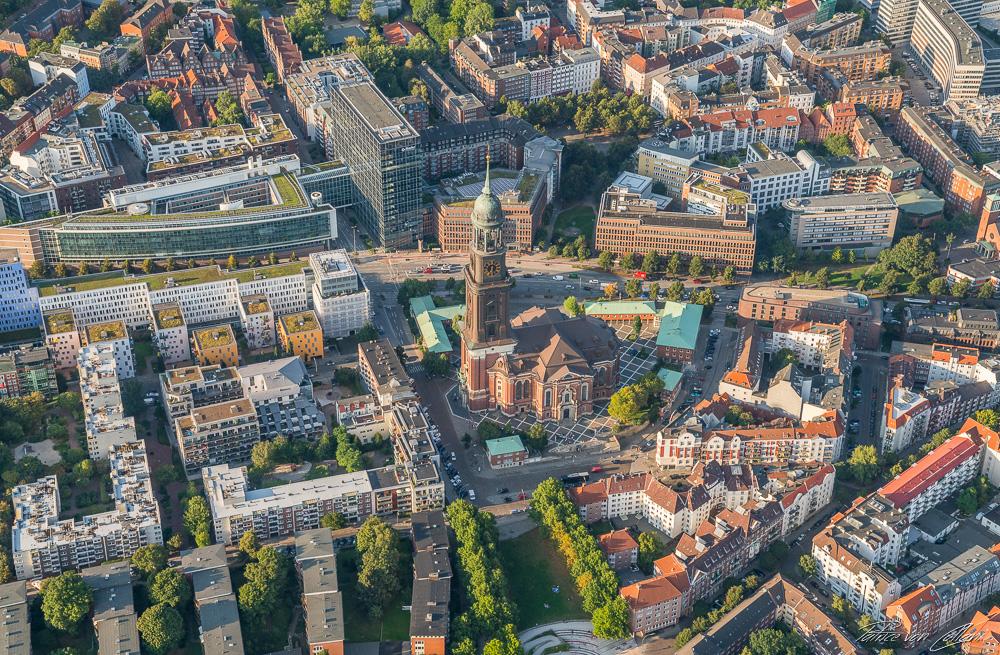 Luftbild Hauptkirche St. Michaelis