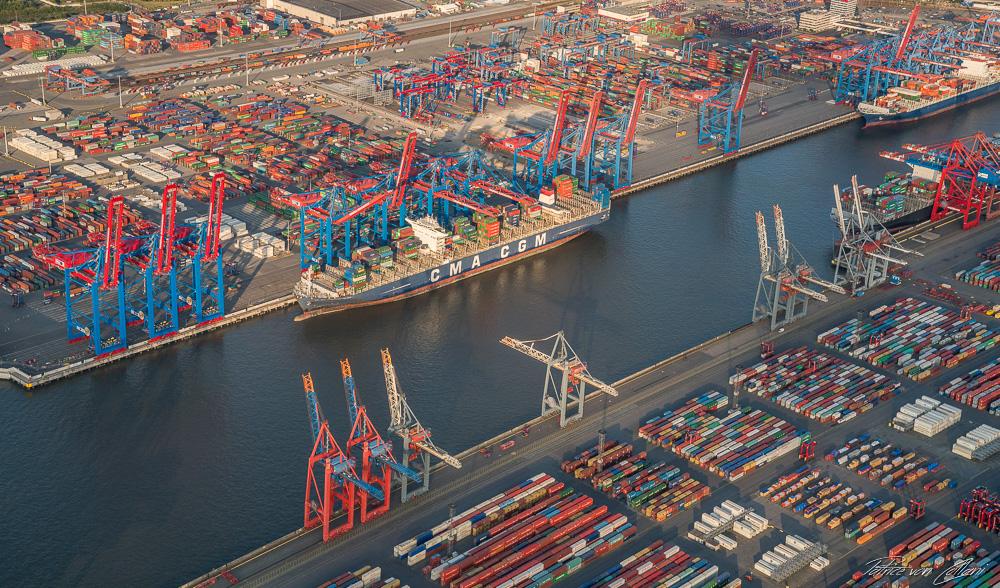 Luftbild Waltershof mit Container Terminal Eurogate & Burchardkai